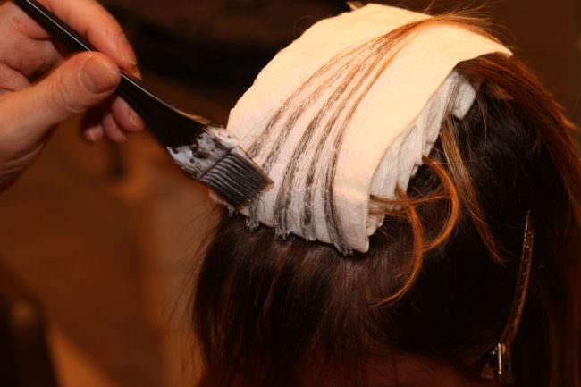 Вся суть процедуры глазирования волос