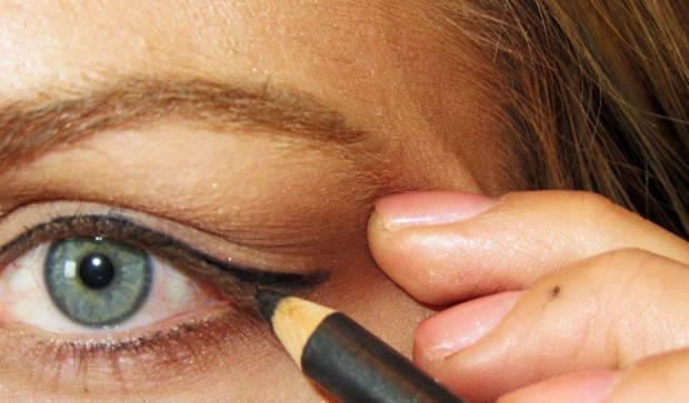 Как правильно растушевать карандаш для глаз: основные правила и особенности