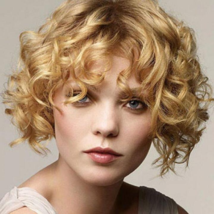 Прически на короткие волосы с кудрями картинки