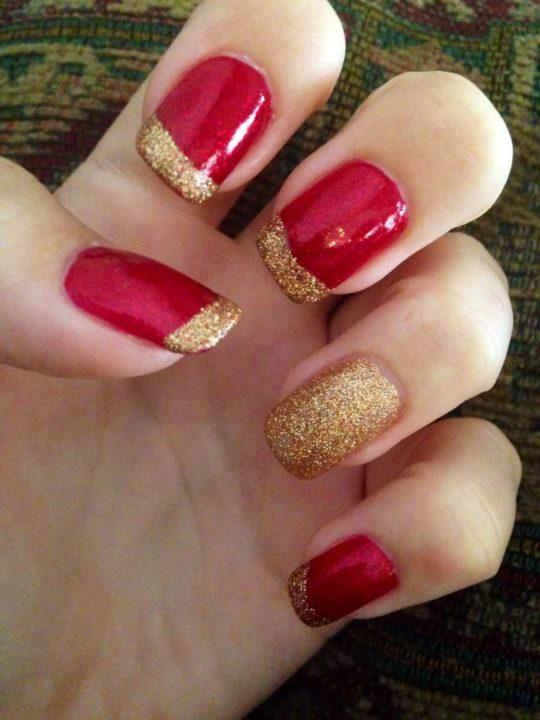 Красный Шеллак С Золотым Дизайном