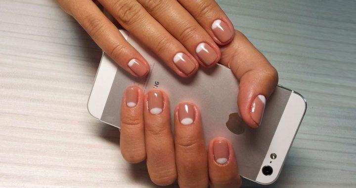 Красивый маникюр на короткие ногти: пошаговая инструкция, идеи (52 фото)