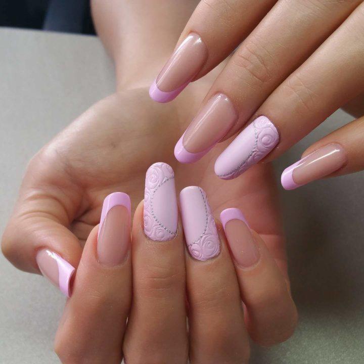 Нежно розовый маникюр и педикюр