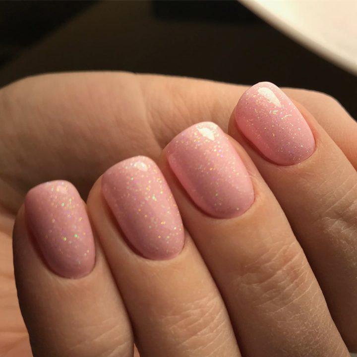 Варианты нежного маникюра шеллак на короткие ногти