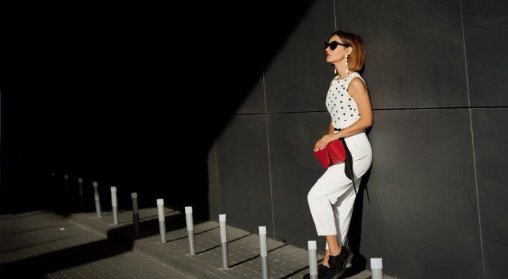 С чем носить белые брюки? (55 фото-образов)