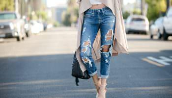 Как выбрать и с чем носить джинсы бойфренды? Модные образы для всех времен года! (175 фото)