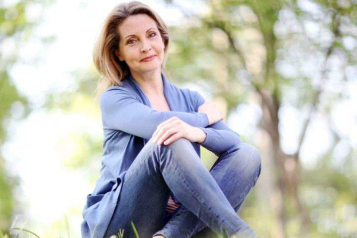 Как носить джинсы женщинам после 50 лет? (варианты, 52 фото)