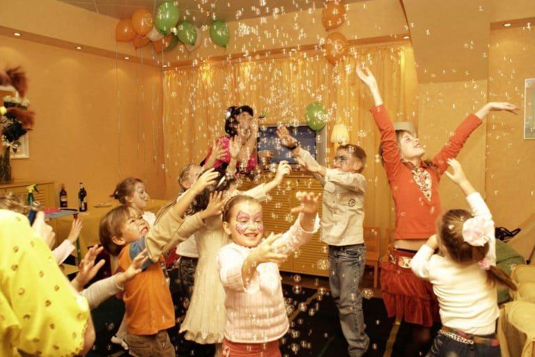 Игры для новогоднего праздника для детей 1-3 года