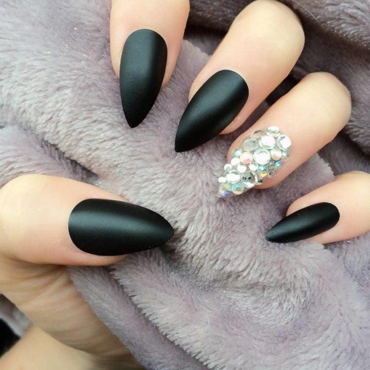 This is one of the simplest and coolest bubble nail art designs for the summerTo get this nail design begin with a thick layer of white base coat on each