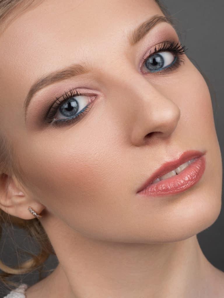 вас макияж на выпуск легкий фото когда экономить