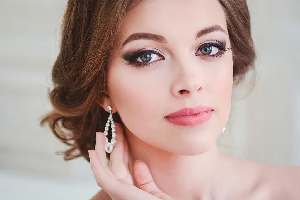 макияж на выпуск легкий фото симпатичную девушку