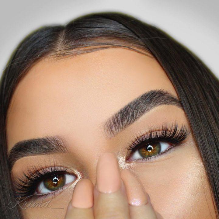Горизонтальная форма бровей boo model
