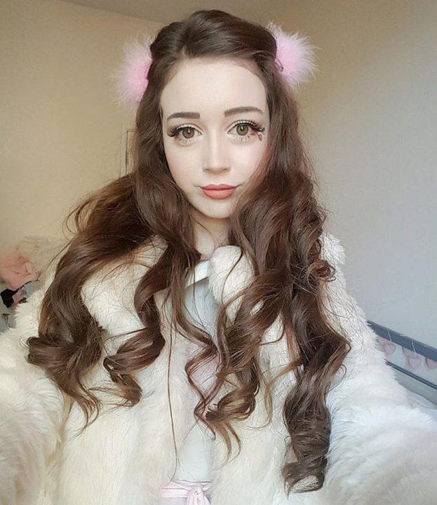 девушка похожа на куколку - 14