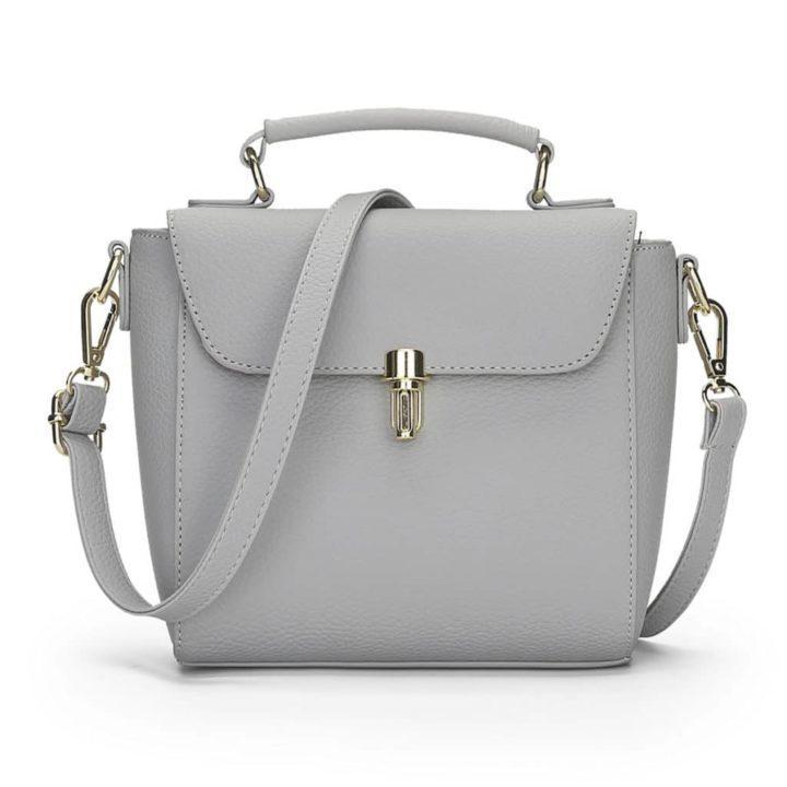 f370cd365b65 Достаточно универсальная модель сумок серого цвета. А вот правильно  подобранная сумка такого оттенка в сочетании с вашим нарядом, сделает его  стильным и ...
