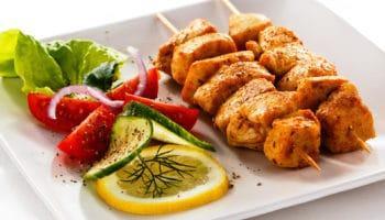 Прекрасные рецепты из куриной грудки: первые блюда, вторые блюда, а также простые салаты и закуски