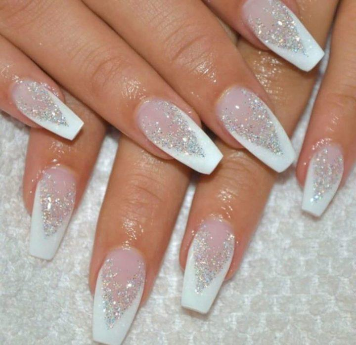вики, дизайн ногтей белый френч блестки стразы фото порадовать своих близких