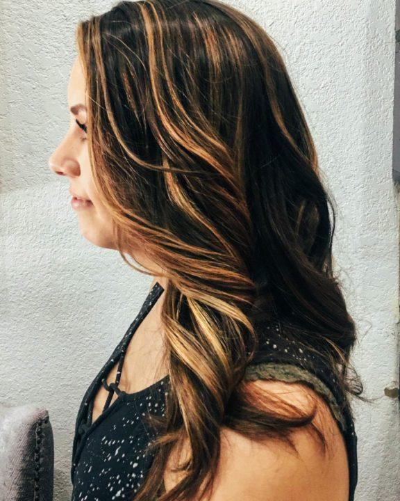 Калифорнийское мелирование на темные длинные волосы