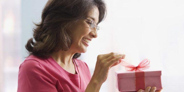 Как выбрать подарок для свекрови?