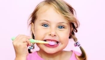 Как выбрать зубную пасту для ребенка: от 1 года, от 3 лет и для других возрастов