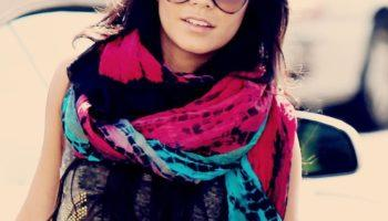 Как красиво повязать шарф – на платье, футболку или куртку (50 фото)