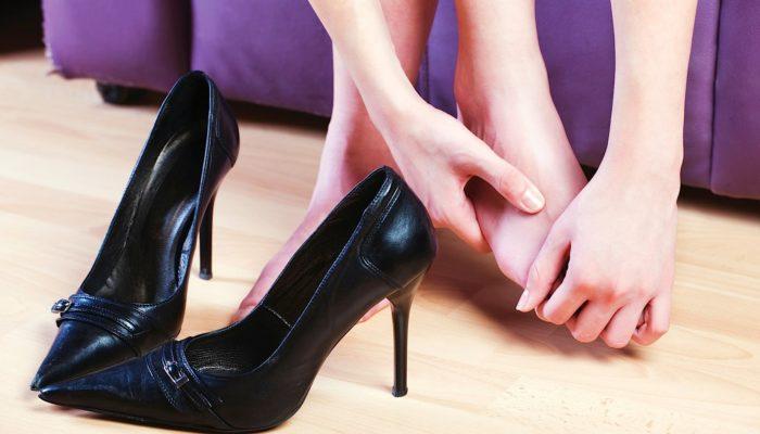 Как растянуть обувь на размер больше
