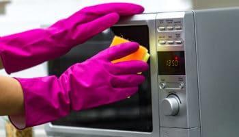 Как правильно мыть и чистить микроволновку — 8 разных способов
