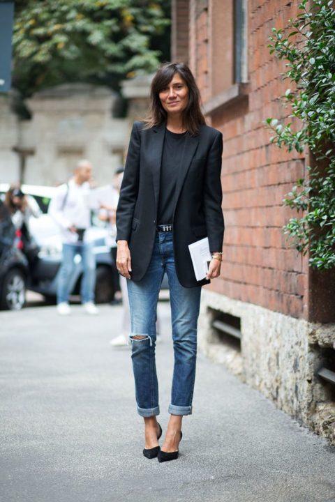 Черный пиджак в обязателен