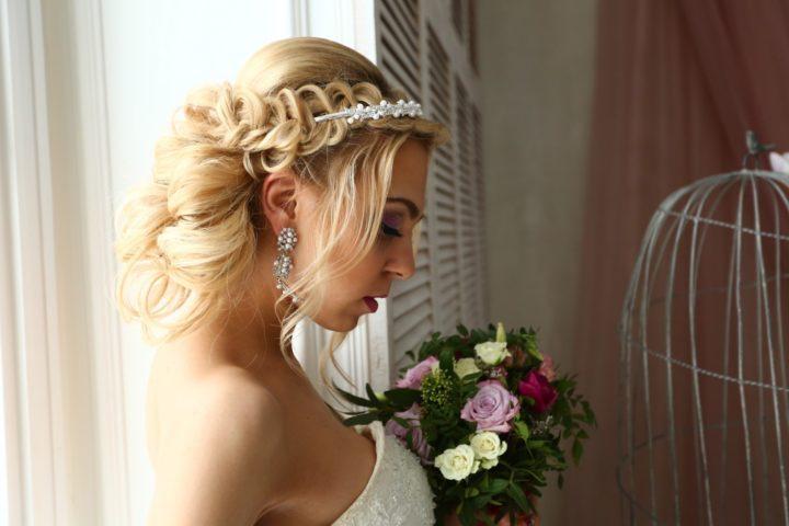 Красивые свадебные прически в 2018 году (65 фото) 18