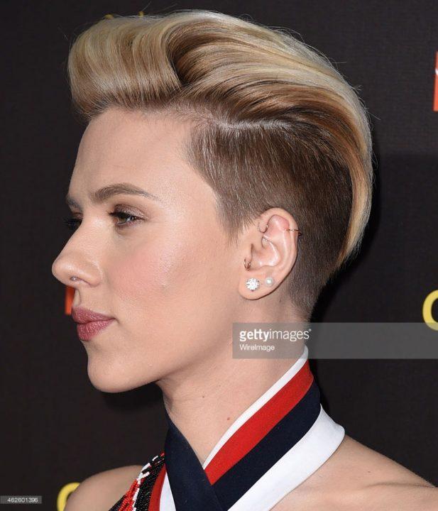 Причёска с выбритой стороной фото