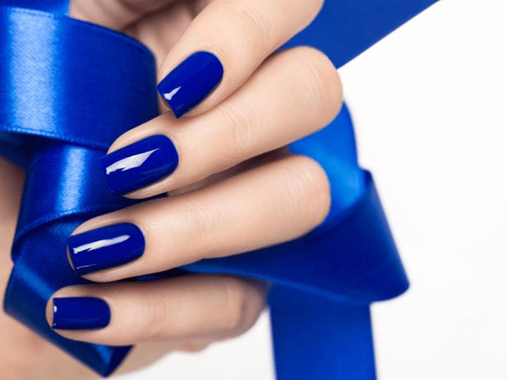Синий маникюр и 100 его модных оттенков (63 фото)